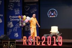 GAUR-GOPAL-DAS-ROUND-SQUARE-INTERNATIONAL-CONFERENCE-RSIC-2019-EMERALD-HEIGHTS-SCHOOL-INDORE-INDIA-3