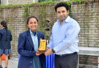 AASHKA ZAVERI LAURELS DEBATE WINNER EMERALD HEIGHTS SCHOOL